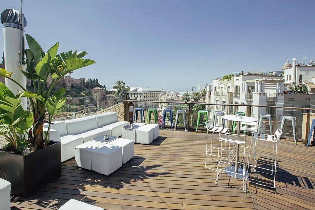 Alcazabra Premium Hostel